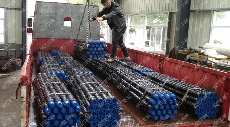 山西某煤电集团1.5米本体刻槽钻杆发货