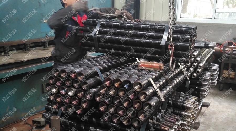 山西某煤矿定购的刻槽钻杆发货